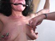 L'image de la vidéo : Une dominatrice ...