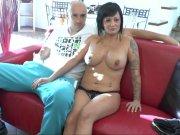 L'image de la vidéo : Gina et son mari ...