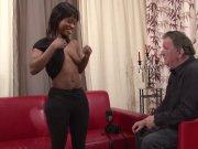 L'image de la vidéo : Une noiraude chaude ...